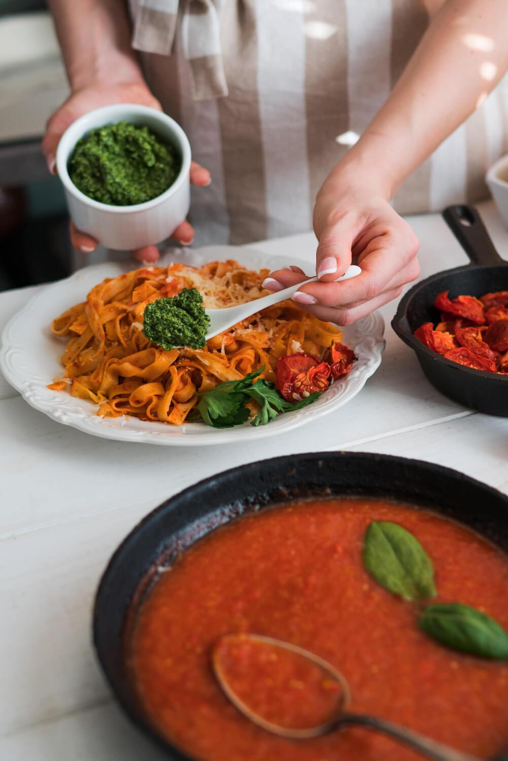WEIKFIELD PASTA SAUCE IS YOUR QUINTESSENTIAL FLAVOURFUL SAUCE THAT ADDS TO THE AUTHENTIC PASTA EXPERIENCE